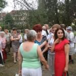 Agnieszka Wojciechowska van Heukelom w trakcie rozmowy z mieszkańcami