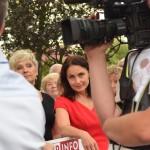 Agnieszka Wojciechowska van Heukelom życzliwie przygląda się wypowiedziom mieszkańców