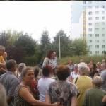 Mieszkańcy bloków przy Elsnera i Agnieszka Wojciechowska van Heukelom na skwerze