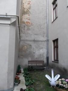 stara ściana pomiędzy