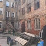 Wschodnia 56  plac budowy na którym mieszkają lokatorzy